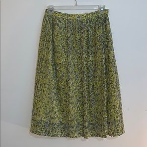 WHO WHAT WEAR - size 10, lace floral skirt